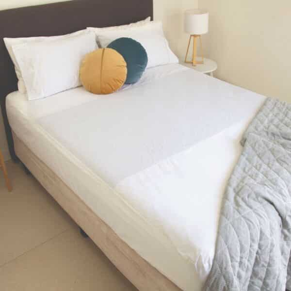 Conni Fitted Bed Pad Queen